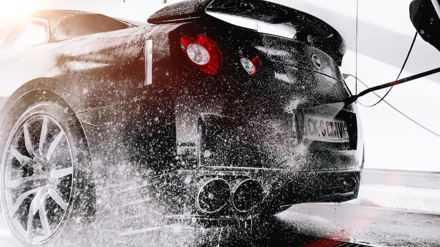 Bil som blir vasket